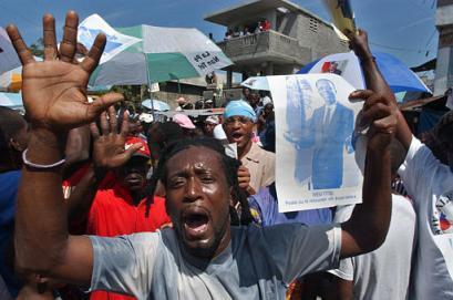 Manifestación en apoyo a Aristide
